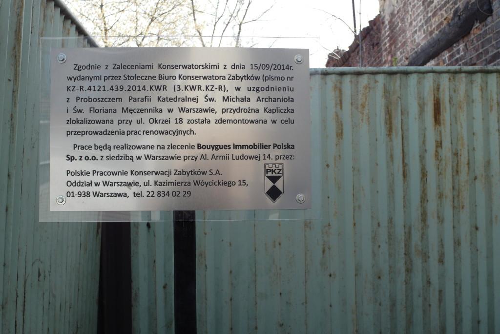 Tablica informacyjna kapliczka przy ul.Okrzei 18