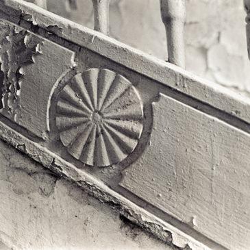 ul.Brzeska – motyw nadrewnianych schodach