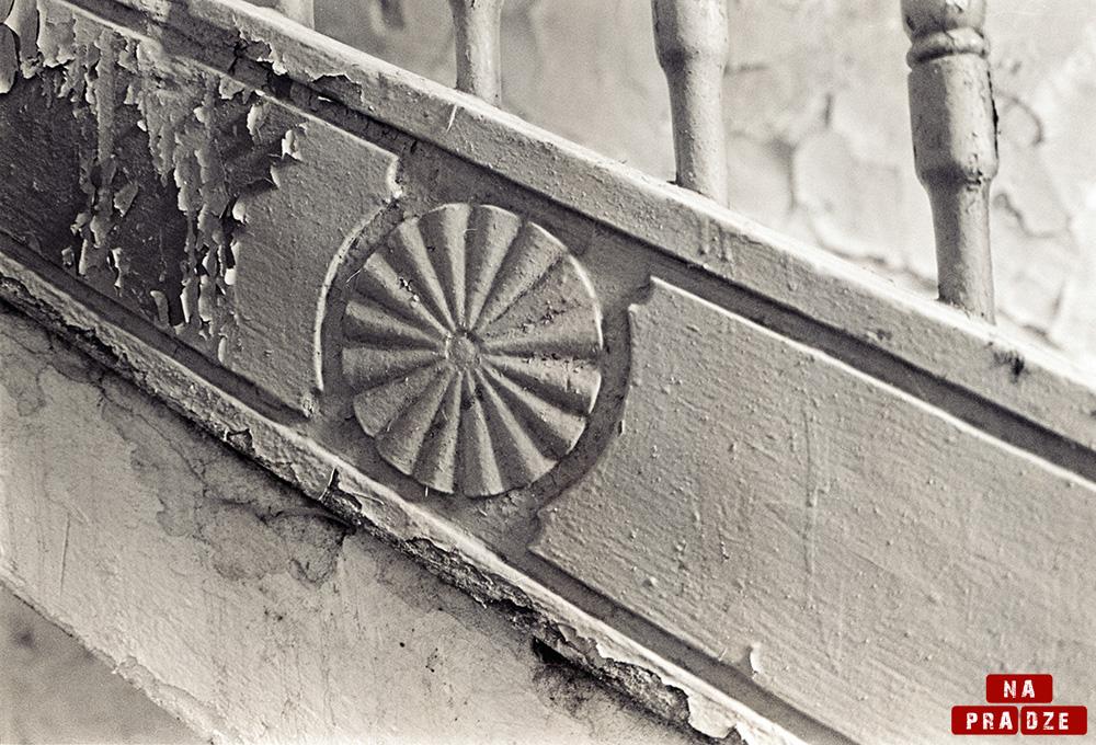 ul. Brzeska - motyw nadrewnianych schodach