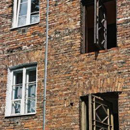 Kępna 4 – okna otwierane wokół własnej osi
