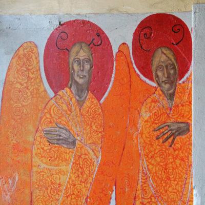 Anioły w bramie przy Targowej 62