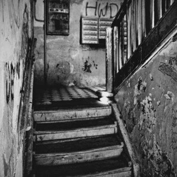 ul.Brzeska 5 – klatki schodowe