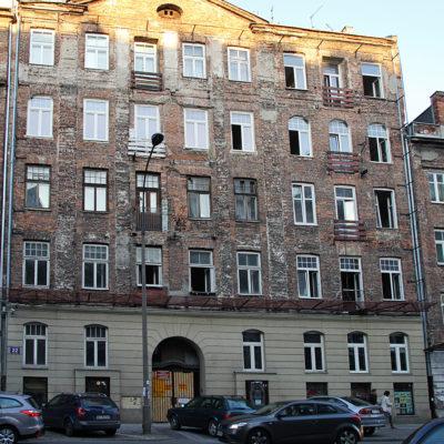 Front kamienicy przed remontem - Jagiellońska 22