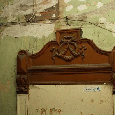 Chyba znajdowało się tu dawniej wejście do jednego z mieszkań - Jagiellońska 22