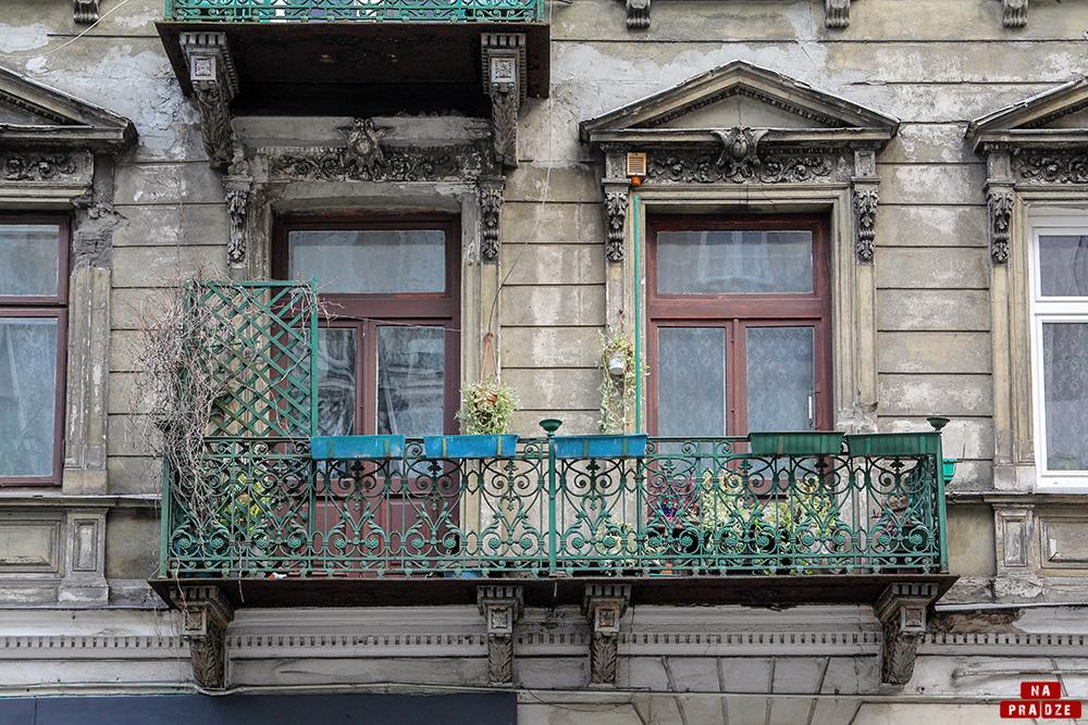 Dekoracja elewacji kamienicy przy ul.Stalowej 28